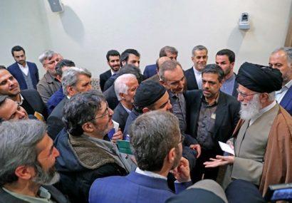 صدری نیا: هدف «غیررسمی» نشان دادن فضای صمیمی دیدار با رهبری بود/ تقاضای حاضران برای رسانه ای شدن جلسات
