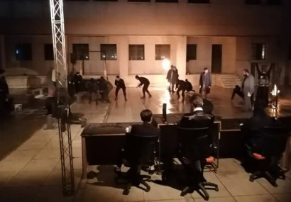 تئاتر فجر میزبان «دموکراسی سفارشی» شد