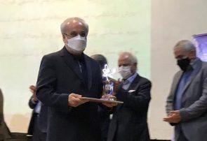جایزه ترویج علم سال ۹۹ به «رضا پورحسین» رسید