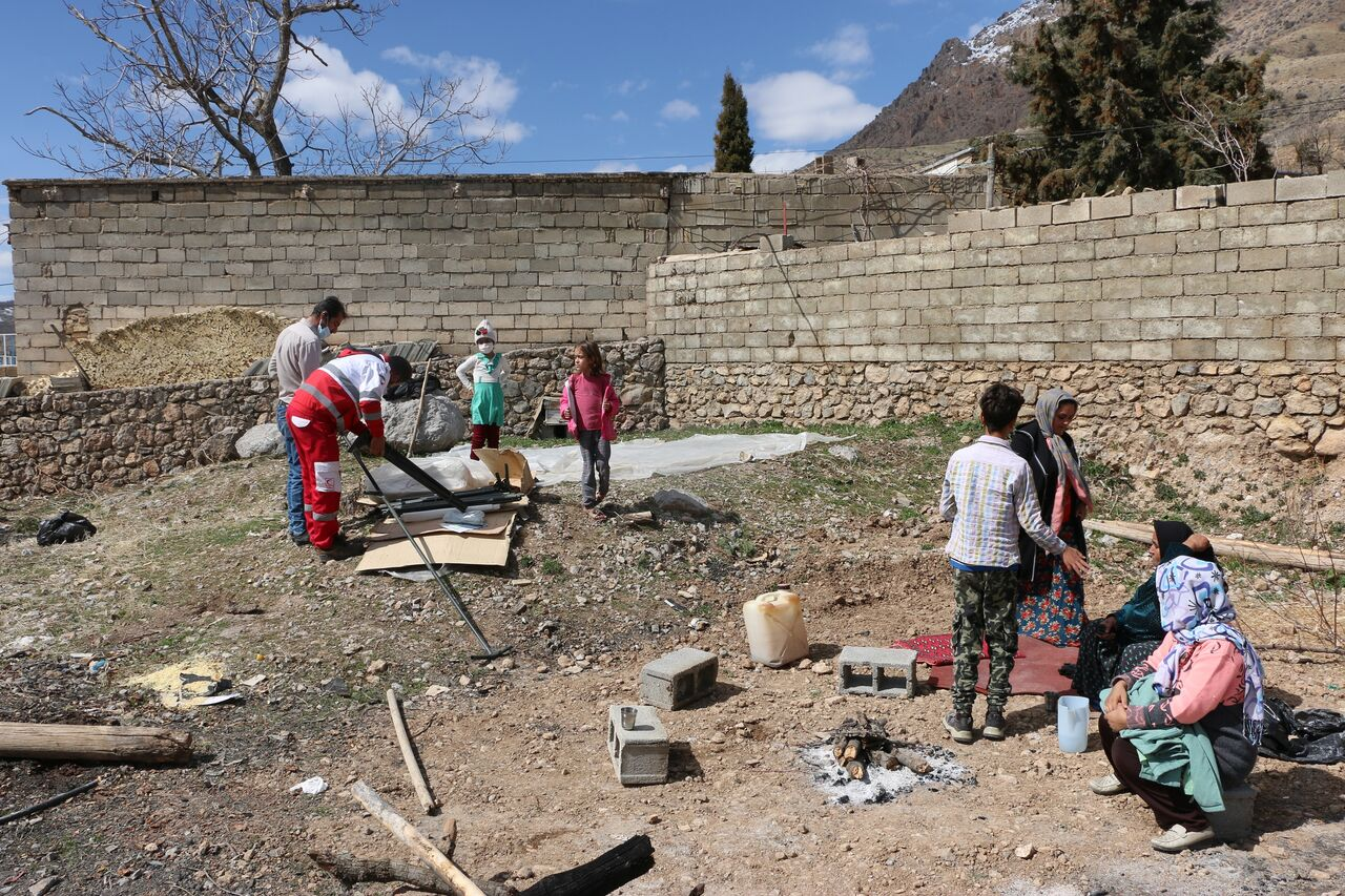 سینماها به کمک مردم زلزلهزده سیسخت آمدند
