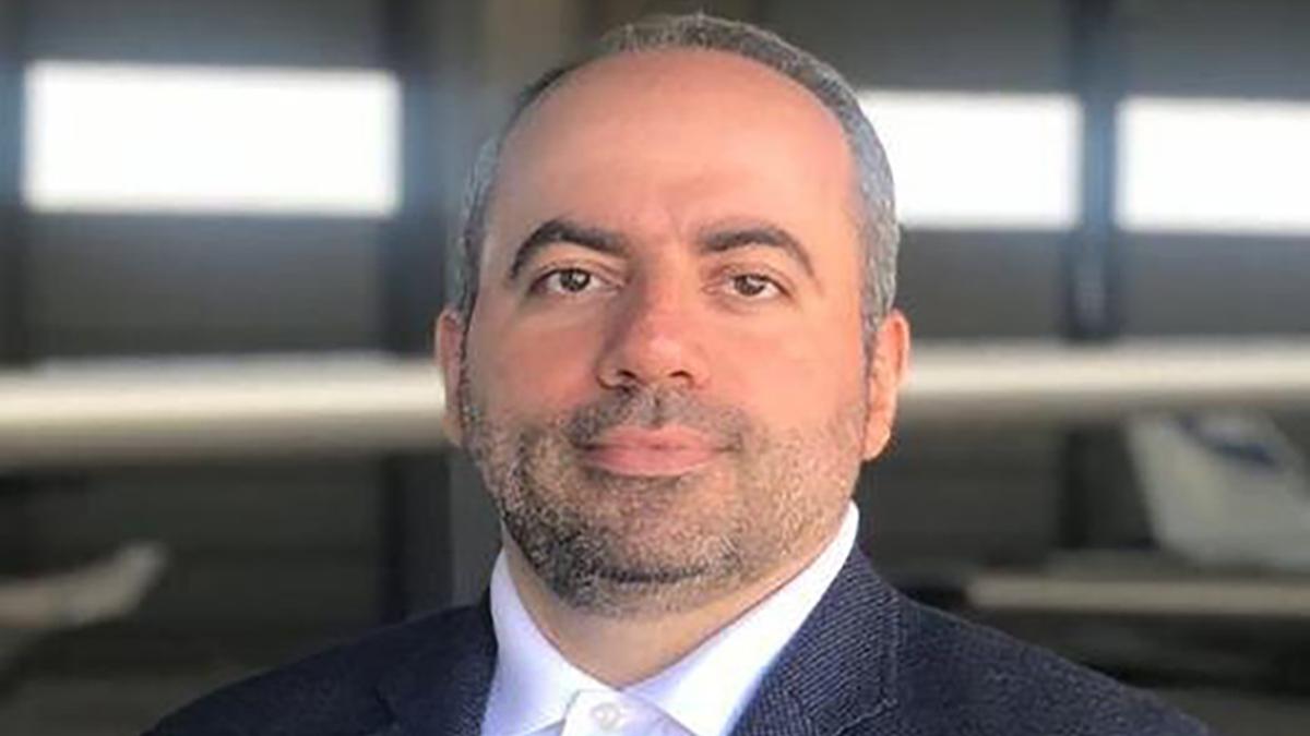 حسین احمدی صاحب امتیاز روزنامه «هنرمند»در گذشت
